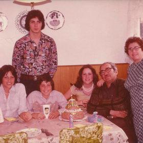Grandpa-Gigliotti-Nonna-and-grandkids-1977